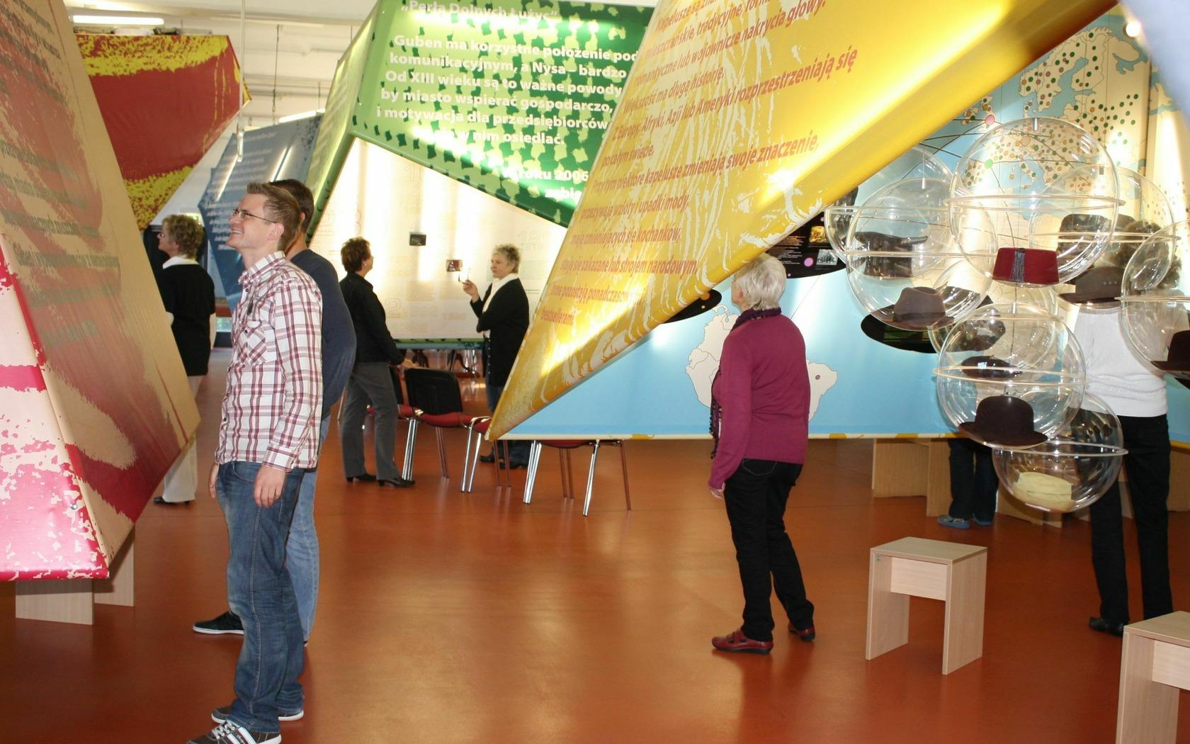 Blick in die Dauerausstellung, Foto: Stadt- und Industriemuseum Guben