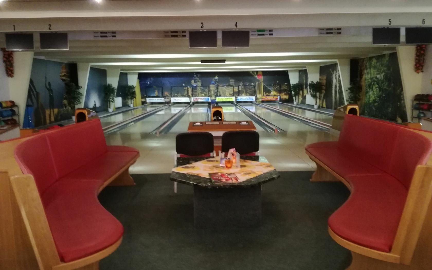 """Bowlingbahn in der Erlebnisgaststätte """"Anno Tobak"""", Foto: MuT Guben"""
