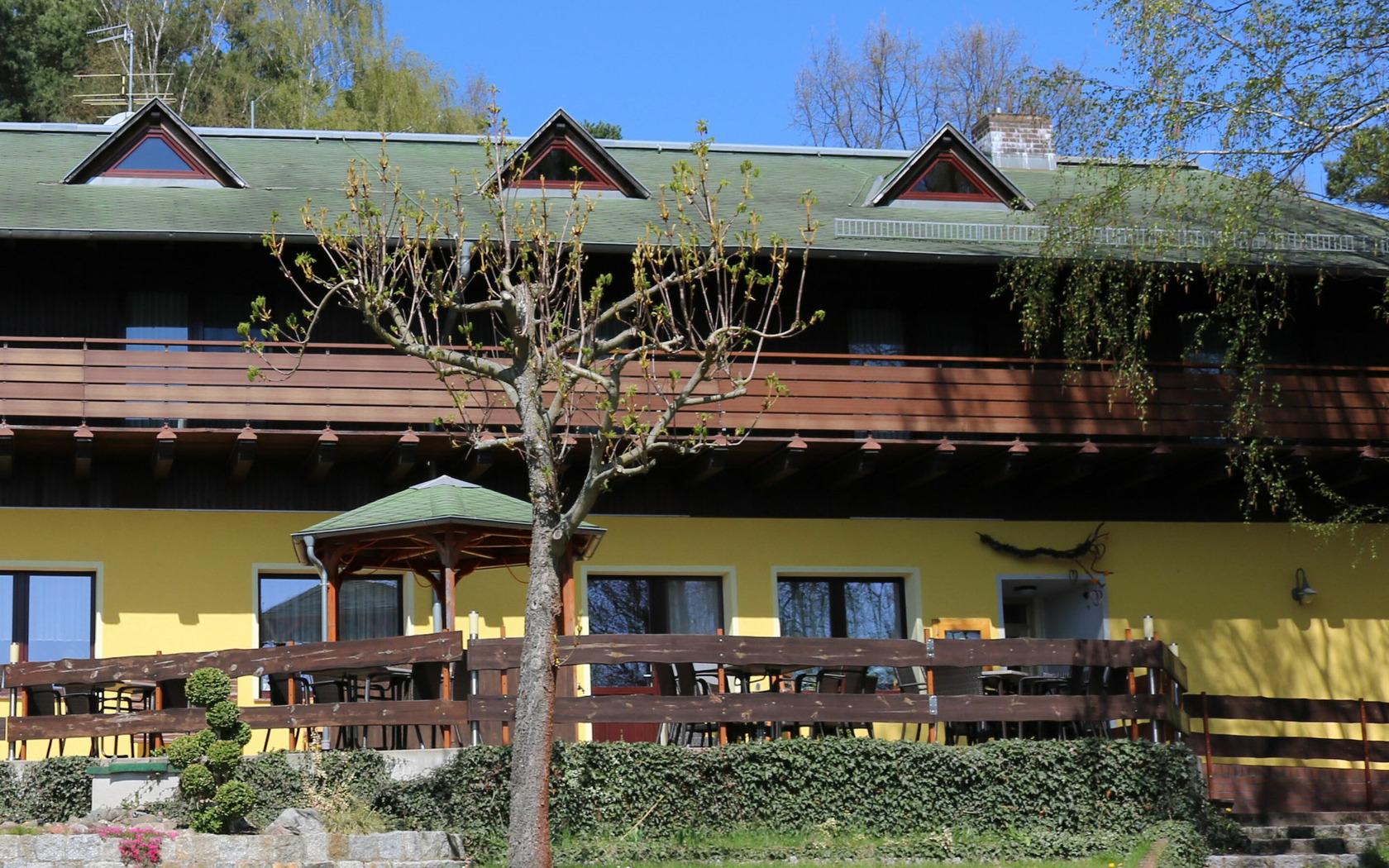 Hotel Karpfenschänke Außenansicht, Foto: MuT Guben