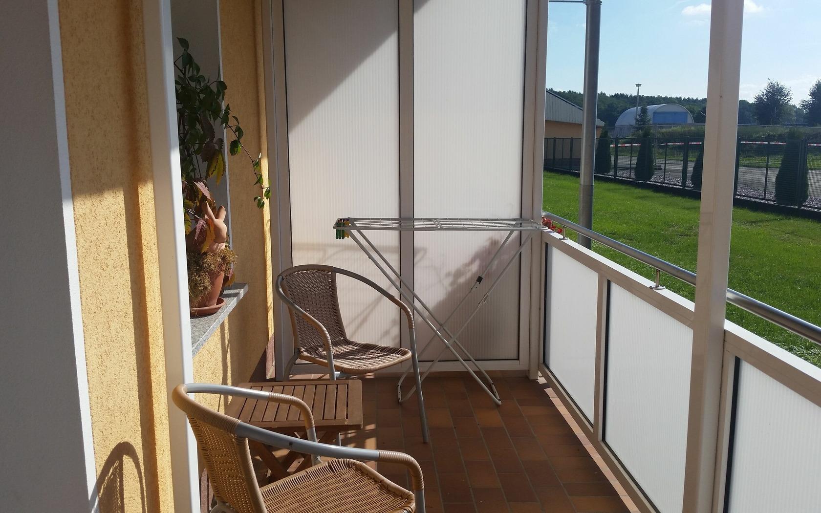 Ansicht Balkon Zimmervermietung Groß-Gastrose, Foto: MuT Guben