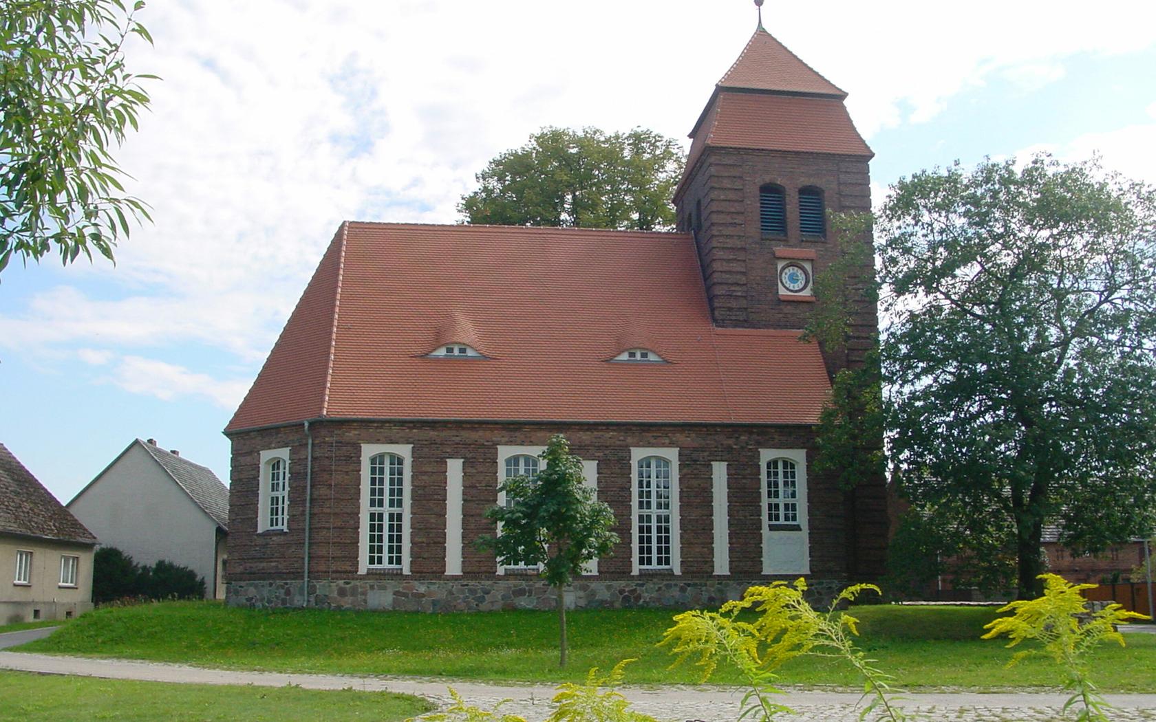 Kirche Pinnow, Foto: Doreen Noack