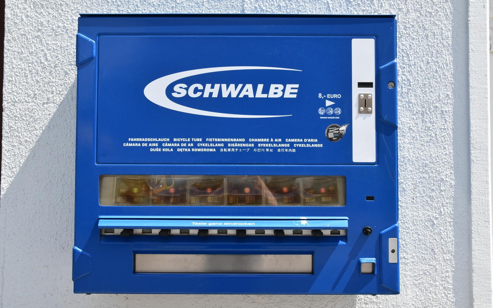 Schlauchautomat am Zweiradcenter Lieske, Foto: MuT Guben e.V.